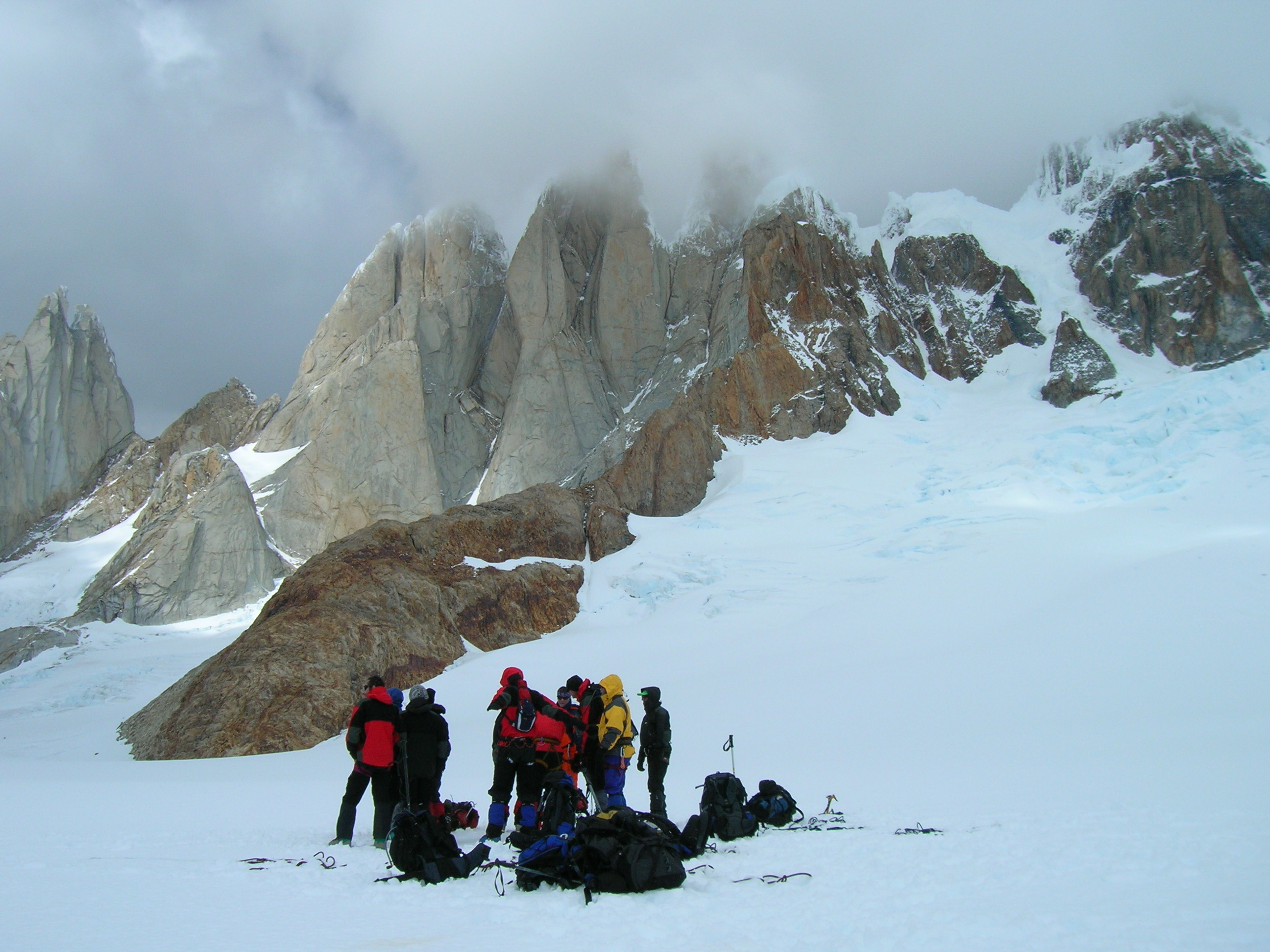 PATAGONIA ICE CAP TRAVERSE WITH GORRA BLANCA ASCENT – PASO HUEMUL